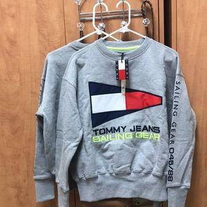 NWT tommy hilfiger sweatshirt!!
